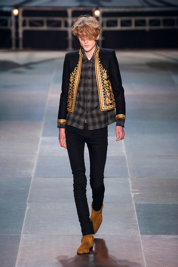 Valter Torsleff3037_FW13 Paris Saint Laurent(fashionising.com)
