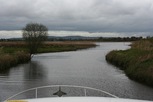 cruise ireland lake river boat lough wildlife shannon lanesborough