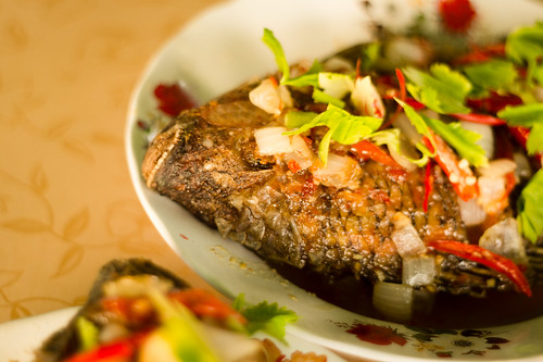 Thai's Fried Fish in Chilli Sauce ปลาราดพริก ปลาสามรส
