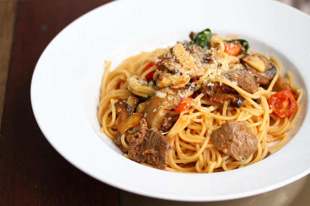 Kith Cafe: Spaghetti with beef tenderloin cubes