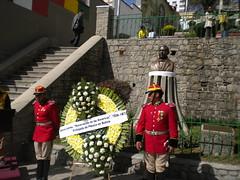 Ofrenda Floral por el Natalicio de Benito Juarez en Bolivia.