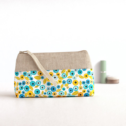 Alegria Blooms make up bag