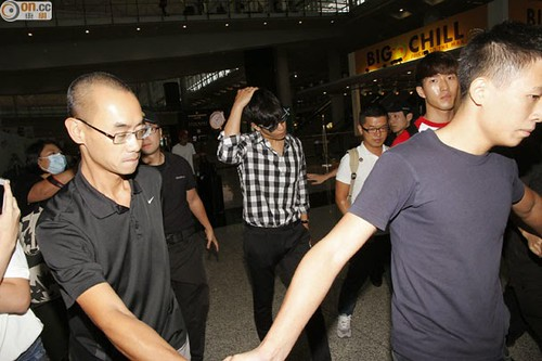 TOP-HongKongAirport-26sep2014-Press-On.Cc-04