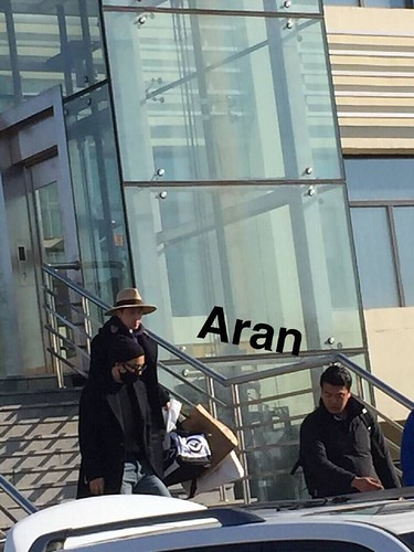 Big Bang - Harbin Airport - 21mar2015 - Seung Ri - Aran - 02