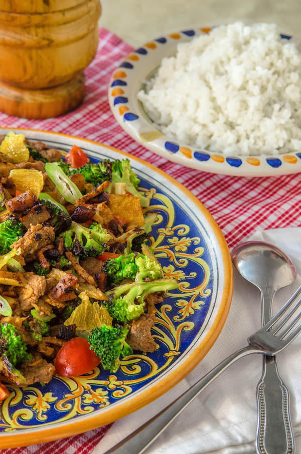 Beef stir-fry with apples, almond and oranges