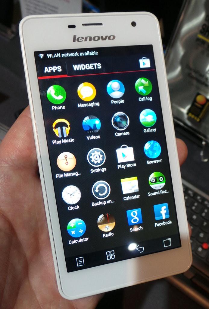 Lenovo K860 smartphone (front)