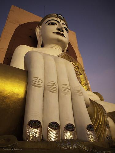 sunset pagoda buddhism bago myanmarburma kyaikpunpaya bagoregion