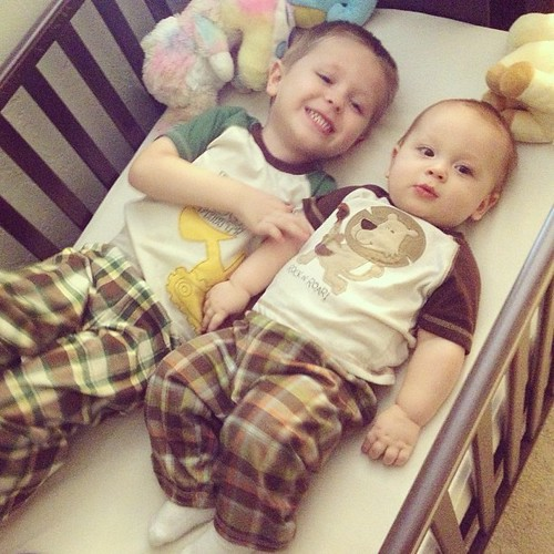 Two little babies in a crib... Hehe ;) #babygram #babies