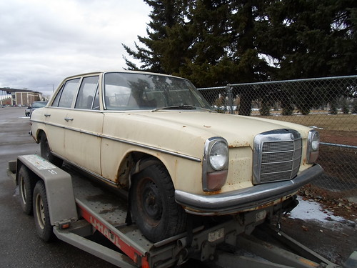 Life in the slow lane 1970 mercedes benz 220d classic for Mercedes benz parts near me