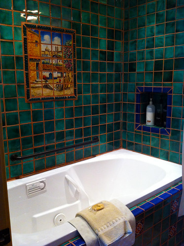 La Posada - Room 241 (Emilio Estevez) - Whirlpool Tub
