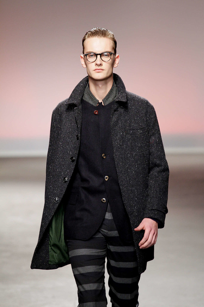 Pieter-Paul Huisman3036_FW13 London Oliver Spencer(fmag)