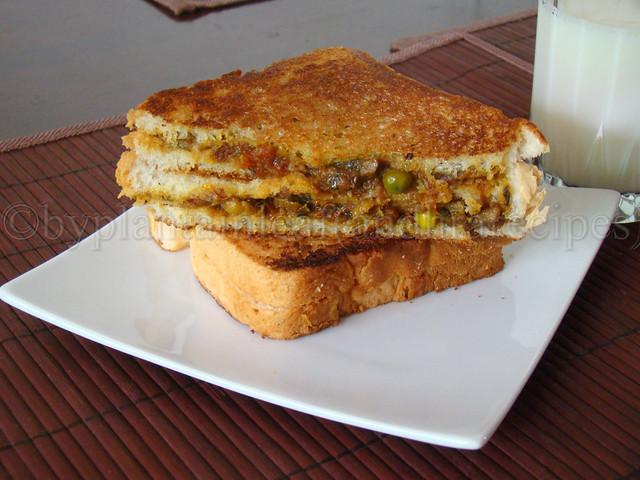 mushroom and peas sandwich