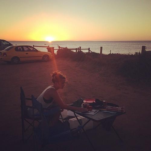 Vi njuter in i det sista. Två dagar kvar av vårt campingäventyr, sen flyger vi tillbaka till Sydney.
