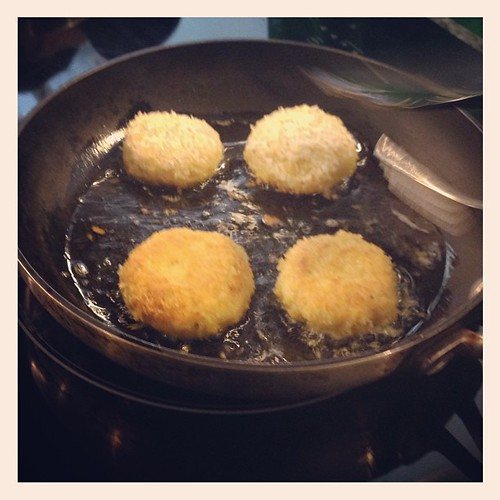 @cooksnapeatlove frying the potato cutlets stuffed with Mozzarella cheese. #latergram