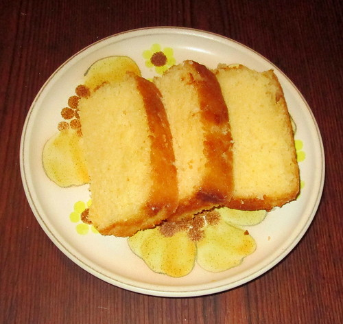 sliced lemon drizzle cake