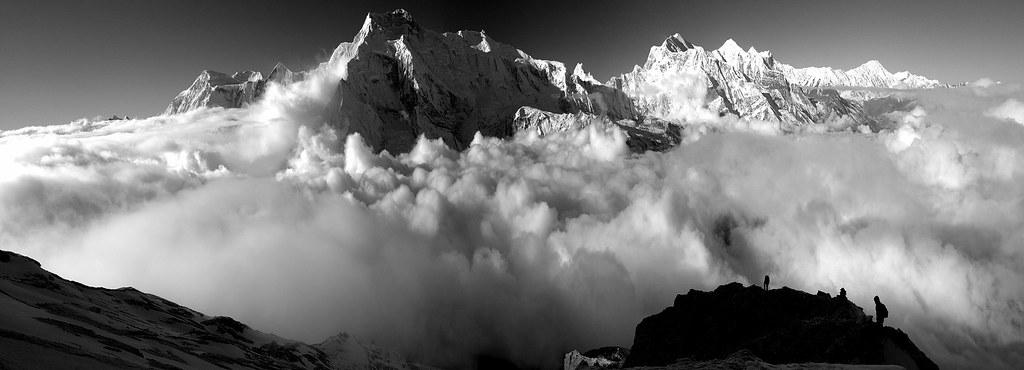 In the rising Sun, Pisang Peak