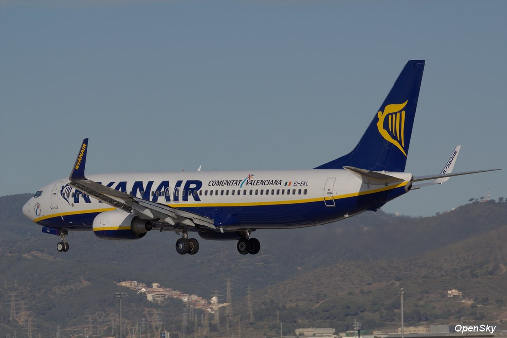 Ryanair Boeing 737-8AS(WL) EI-EKL (cn 38498)