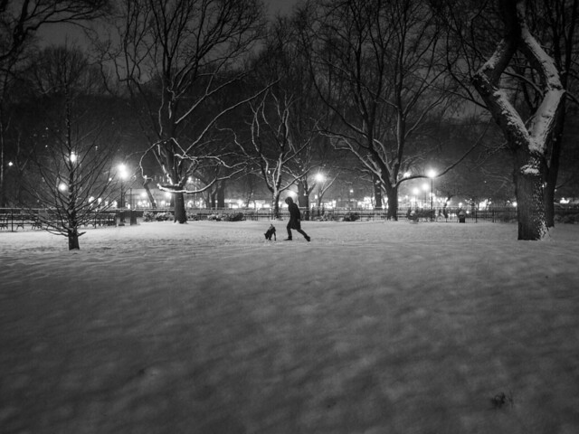 night_play_X100s_street_night_snow_031813_8675