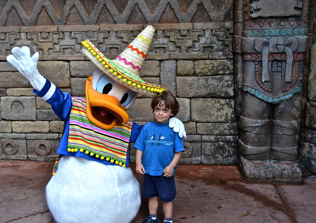 epcot center - donald and kid