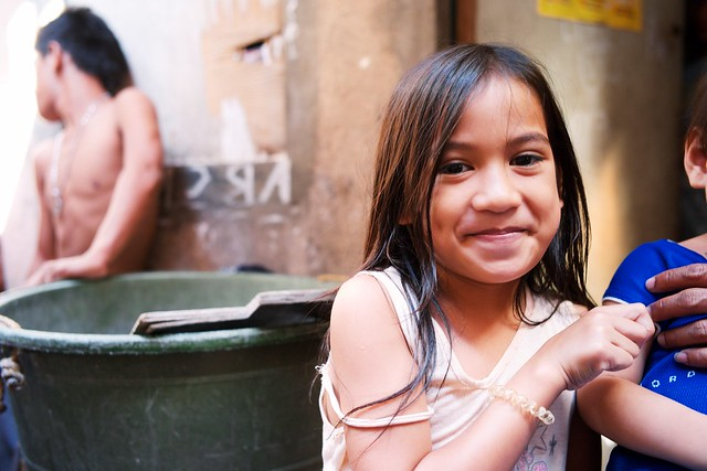 download image manila slum girls pc android iphone and ipad