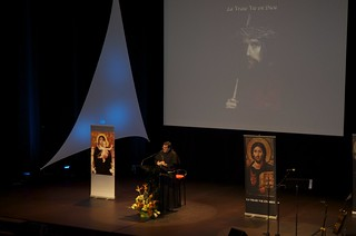 Father Vincent Introduces Vassula to the audience in Nantes, France