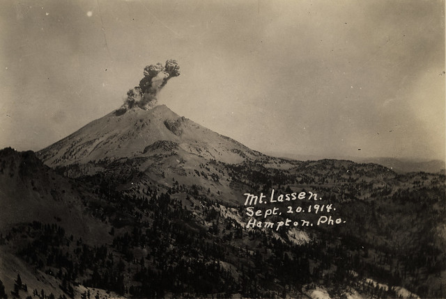 Lassen Peak eruption from high