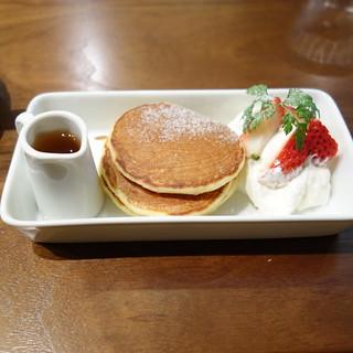小さなパンケーキ。ランチのデザート。