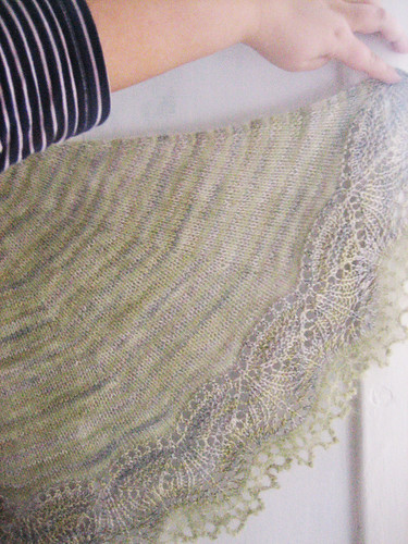 Right curve of shawl