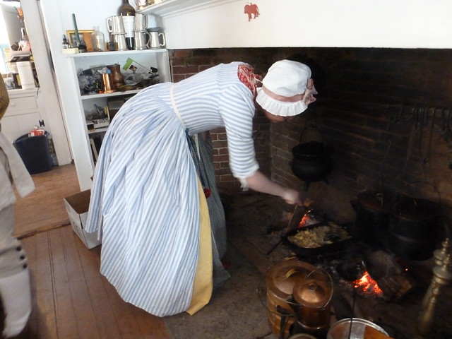 18th century hearth cooking workshop