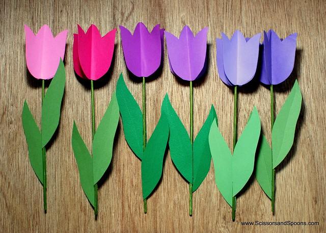 Цветок из цветной бумаги тюльпан