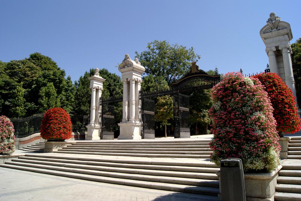 Parque del Retiro: Puerta de España