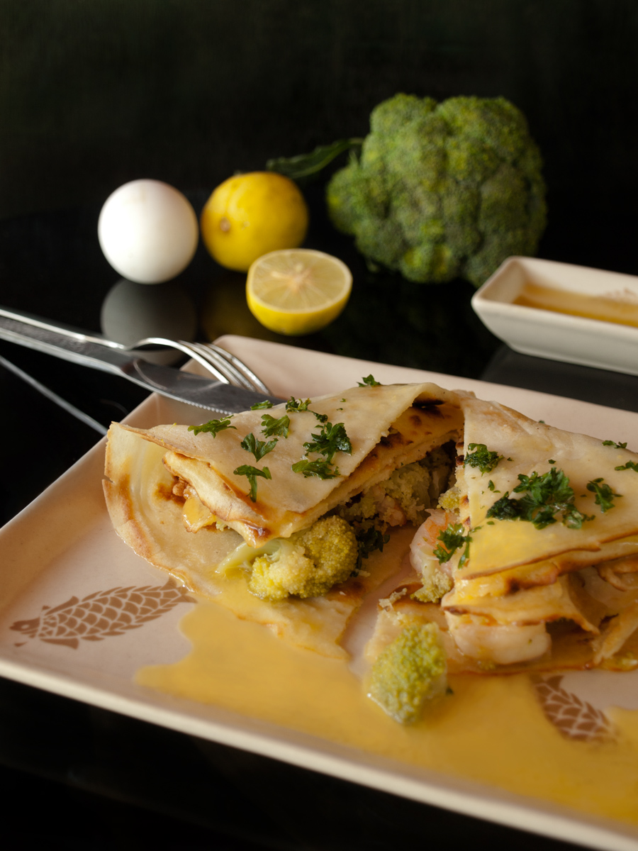 Savory Crepes with Prawns, Broccoli and Hollandaise Sauce for #Sundaysupper