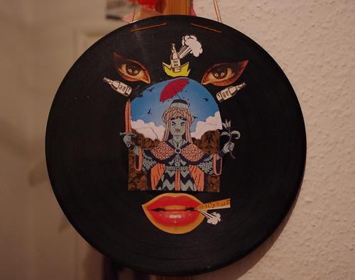 Vinyl Earing Holder