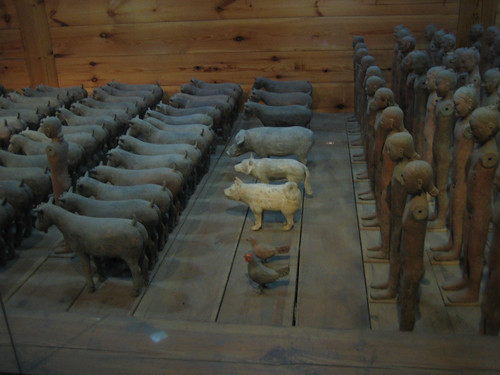 IMG_6130 - Earthware ''sacrifices'' and domestic animals in Emperor Jing's Tomb, Han Dynasty, Xianyang, China, 2007