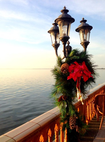 sunset wreath water sarasota johnandmableringlingmuseumofart bay post lamp florida ringling museum