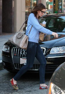 Anne Hathaway Toms Celebrity Style Women's Fashion