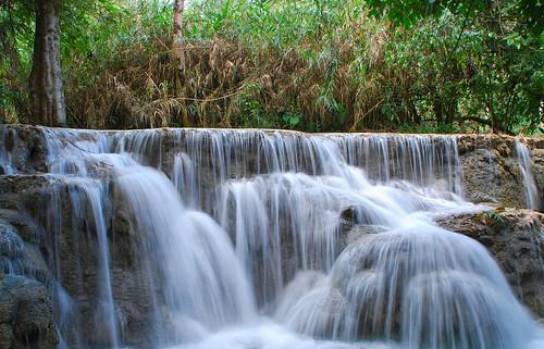 si waterfalls laos kuang