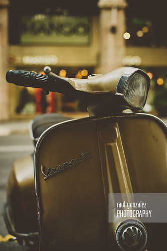 Vespagold. by raul gonza|ez