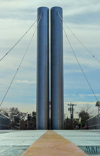pylon twins