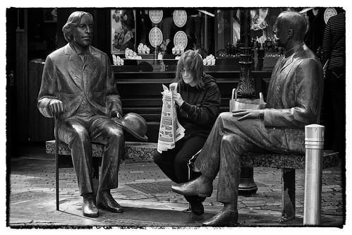 street ireland portrait bw irish galway monochrome statue newspaper oscarwilde wilde candid talk conversation ignore smallads fullard frankfullard