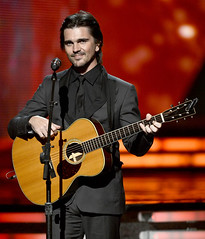 Juanes. Premios Grammy, versión 55, febrero 10 de 2013, Staples Center, Los Angeles, California, Estados Unidos. Foto cortesía Canal TNT.