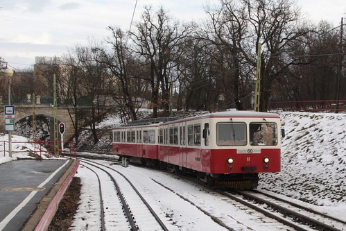 Train #65 arrives into the terminus of station of Széchenyi-hegy