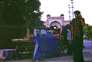 roadside soft-drinks at Sikandra near Agra