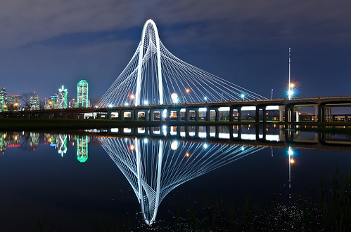 nightphotography bridge night cloudy waterreflection dallastexas margarethunthillbridge nikond7000 tokina1224f4dxii tokina1224f4ii