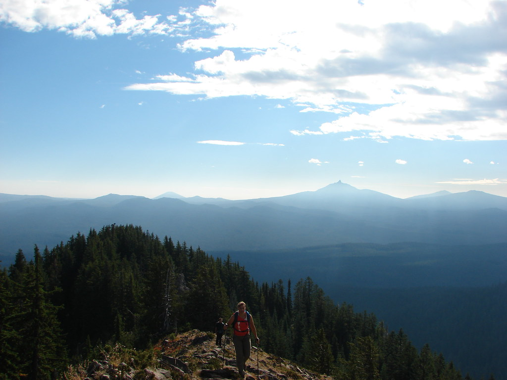 Black Butte, Mt. Washington, Black Crater, and Belknap Crater from Browder Ridge