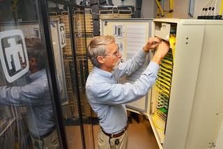 World's largest fiber optic network