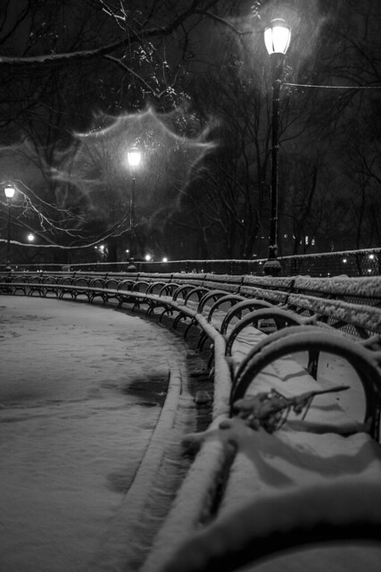 the_silence_of_snow_X100s_street_night_snow_031813_8712