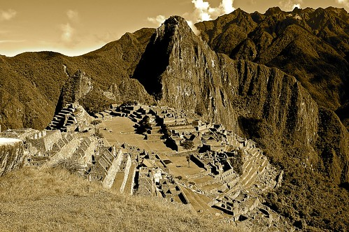 Discovering Machu Picchu by Domingo Mery