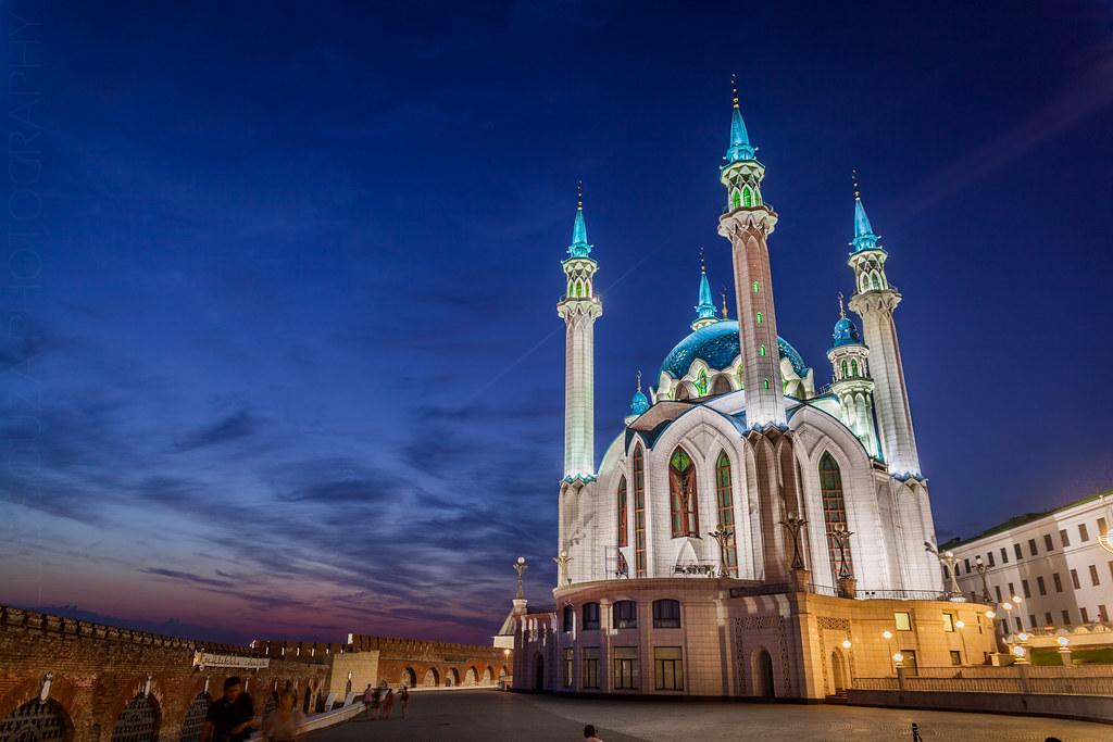 Qolşärif Mosque at dusk