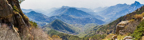 "Pano: 象鼻峰青雲洞 (象鼻峰青云洞 ""Elephant Trunk Peak Green Cloud Cave"")  /  山東省泰安市泰山 (山东省泰安市泰山 Mount Tai, Tai'an City, Shandong Province) / 中國旅遊 中国旅游 China Tourism / SML.20121011.7D.09602-09605.Pano"